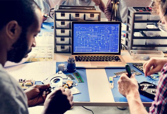 computer-laptop-showing-electronic-circuit-PMED3JL
